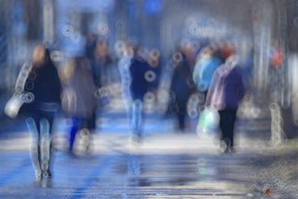 Crowd seen through blurry vision